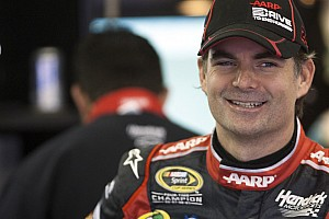 NASCAR Cup Preview A fifth at Dover 400 would help in chase for Gordon's 5th title
