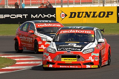 Mixed fortunes for Redstone Racing at Brands Hatch season finale