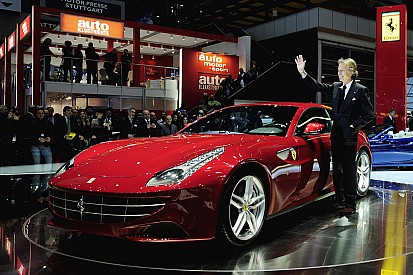 Ferrari shows record sales and add Apple's Cue to the BOD