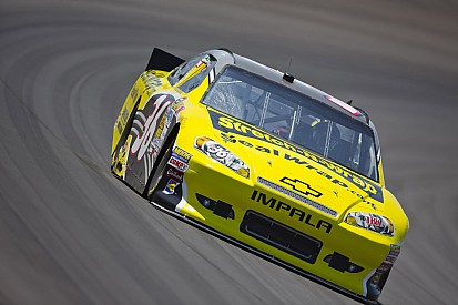 Tommy Baldwin and Matthew Dillner race for Sandy victims at Phoenix