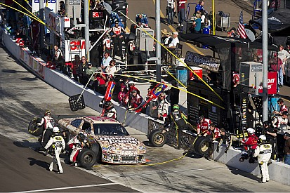 Newman battles to hard-fought top-five in Phoenix 500