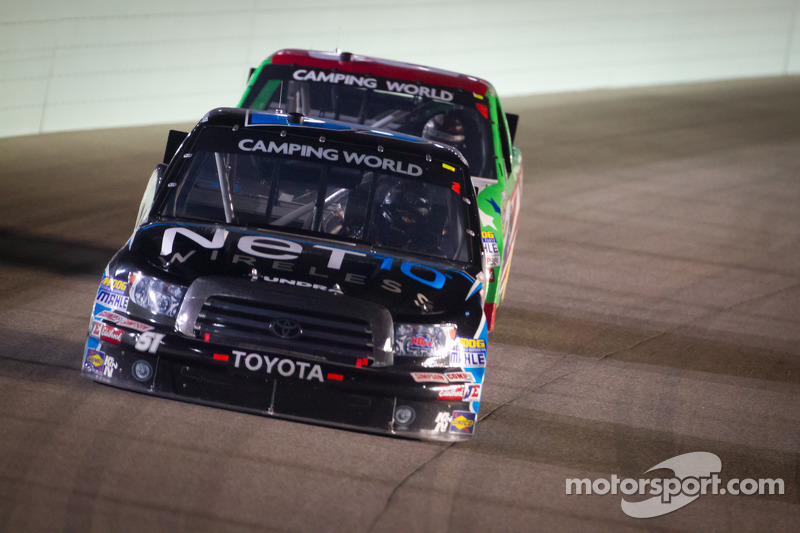 Quiroga earns hard-fought 15th-place finish in finale at Homestead