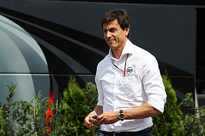 Wolff to keep Williams link 'for the moment'