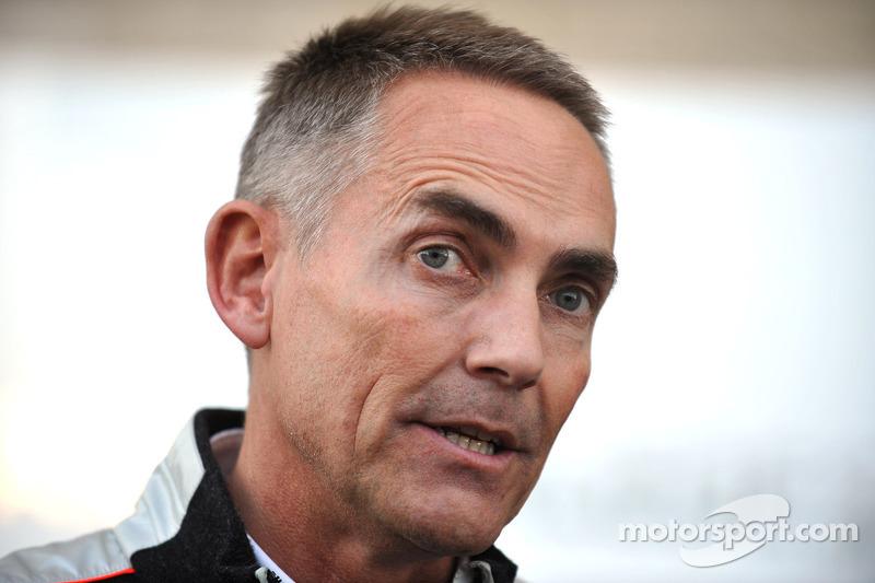 McLaren 'working hard' to stop Lowe exit