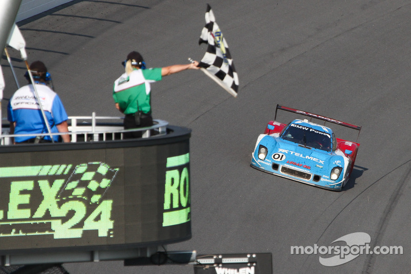BMW powers Chip Ganassi Racing with Felix Sabates to victory at Rolex 24 at Daytona
