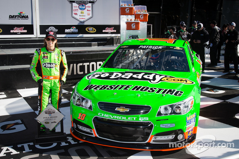 Patrick makes history by grabbing Daytona 500 Pole