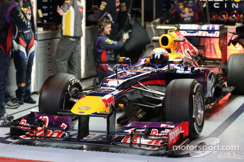 Webber and RBR on song in the rain at the Circuit de Catalunya