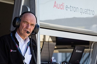 """Interview with Dr. Ullrich: """"It won't be the first time that Audi does battle against Porsche."""""""