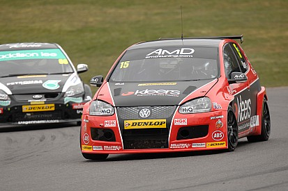 Winning start for Kaye at Brands Hatch