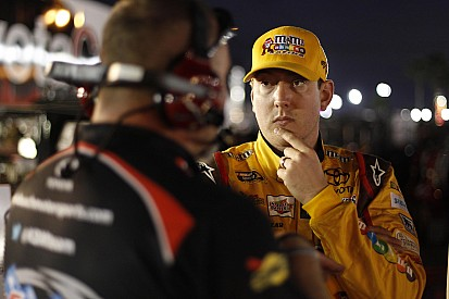 Kyle Busch takes on Kansas in brand new Toyota Tundra