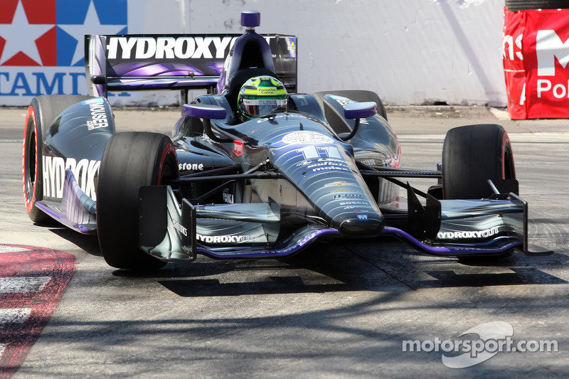 Kanaan recovers after injuring his right hand in Long Beach