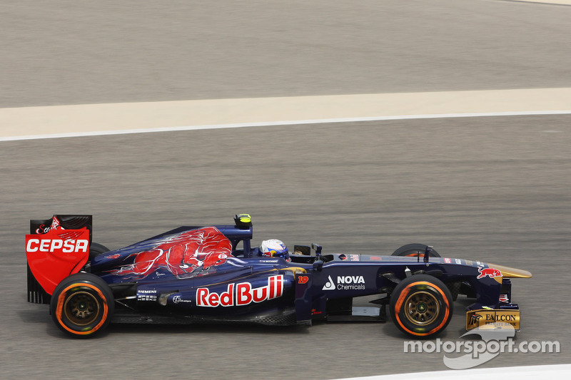 7028a07c29 Red Bull hopeful Ricciardo says Vettel 'nice'