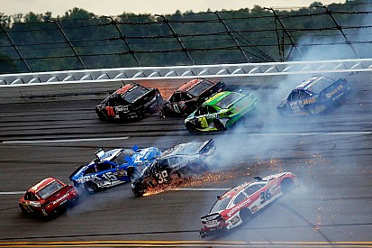 Busch's strong run ends in late multicar melee