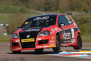 BTCC Race report Challenging times for Kaye at Thruxton