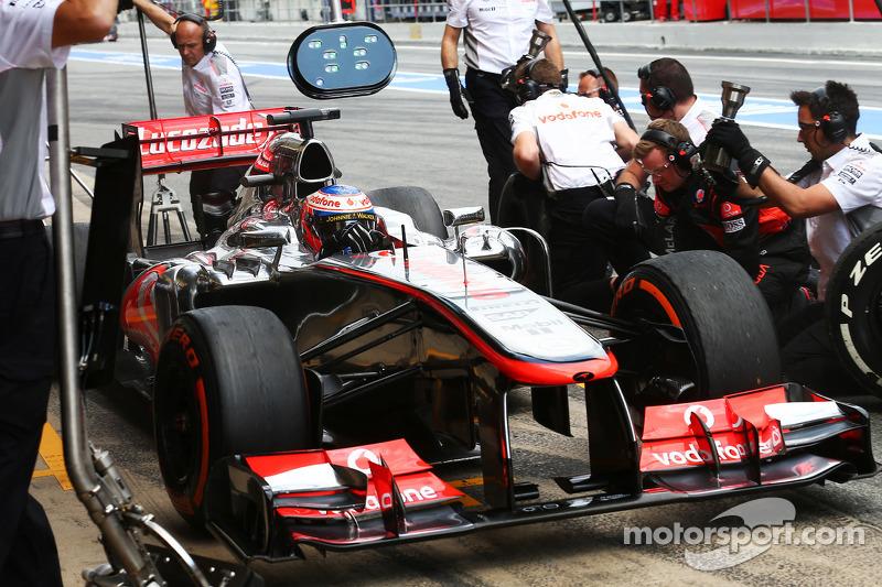 McLaren downcast as car upgrade fails
