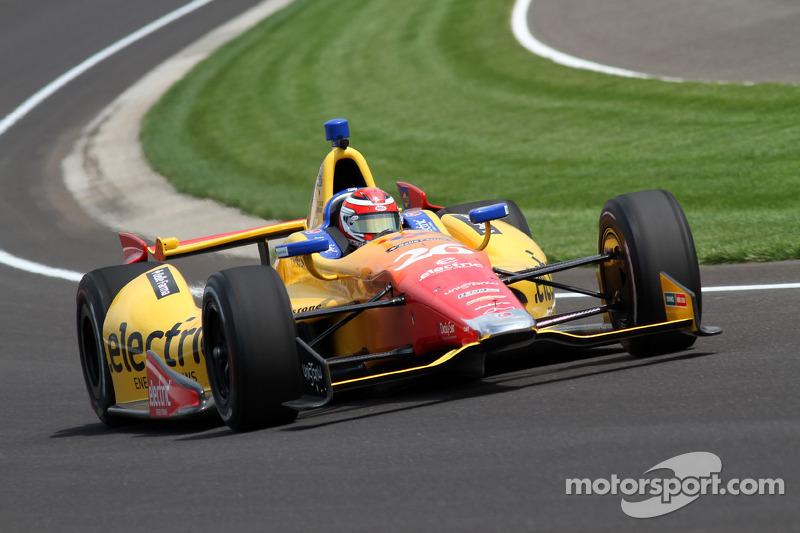 Rookie Carlos Munoz back on top at Indy 500 practice