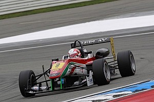 F3 Europe Qualifying report Three pole positions for local hero Alex Lynn at Brands Hatch