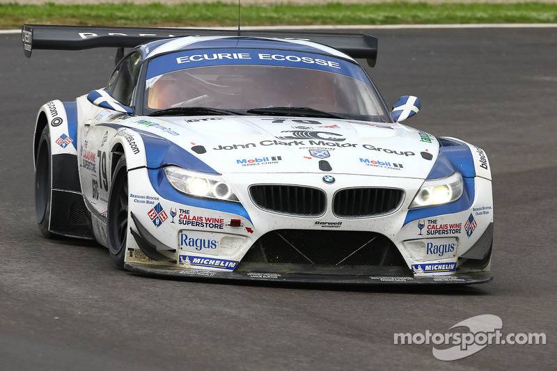 Ecurie Ecosse claims hard-fought podium at Imola