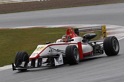 British F3 lines up for super Silverstone start