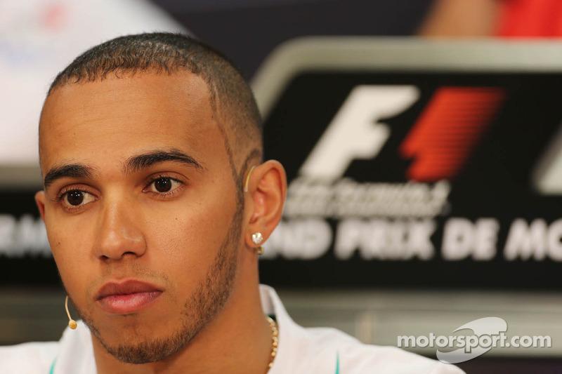 Mercedes clarifies Hamilton jet-ski incident