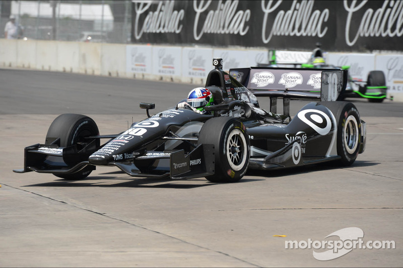 Franchitti quick in Detroit, field set for race one