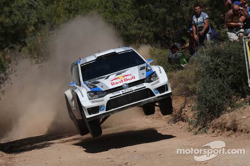 Volkswagen in third and fifth place after day one in Greece
