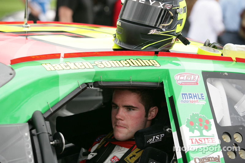 Chad Hackenbracht signs limited schedule with KBM
