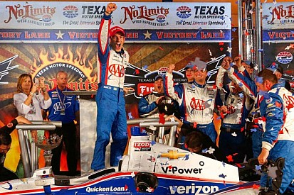 Castroneves wears the tall hat at Texas IndyCar race