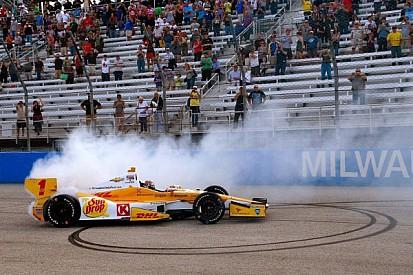 Hunter-Reay repeats as Milwaukee IndyFest winner