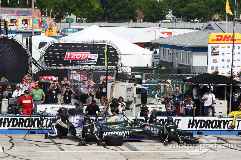 KV Racing Technology driver Tony Kanaan finishes 10th at Milwaukee Indyfest