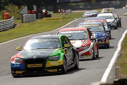 Turkington dominates Race 1 at Croft