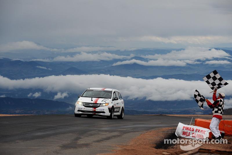 Tigert wins class, Pagenaud stars at Pikes Peak