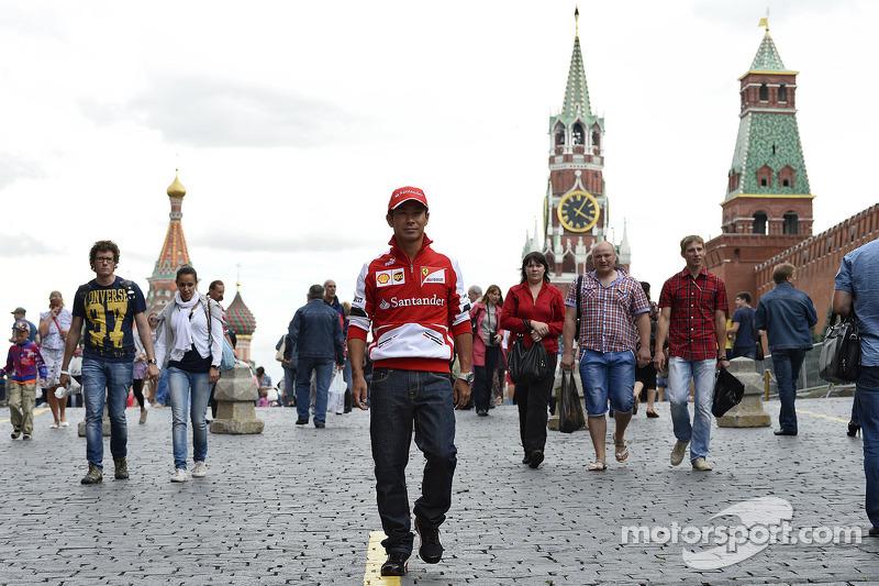 Petrov, Kobayashi say money halting F1 returns