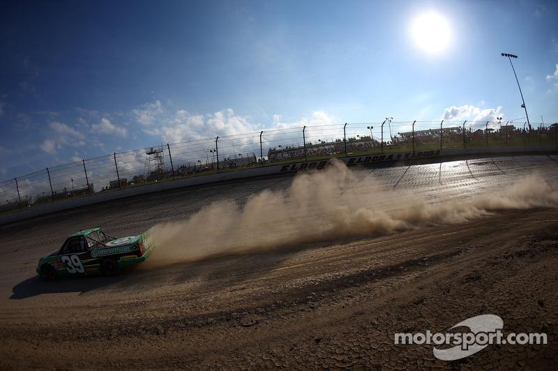 Family rivalries spice NASCAR's Eldora debut