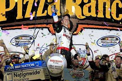 Keselowski overcomes adversity for Iowa Speedway victory