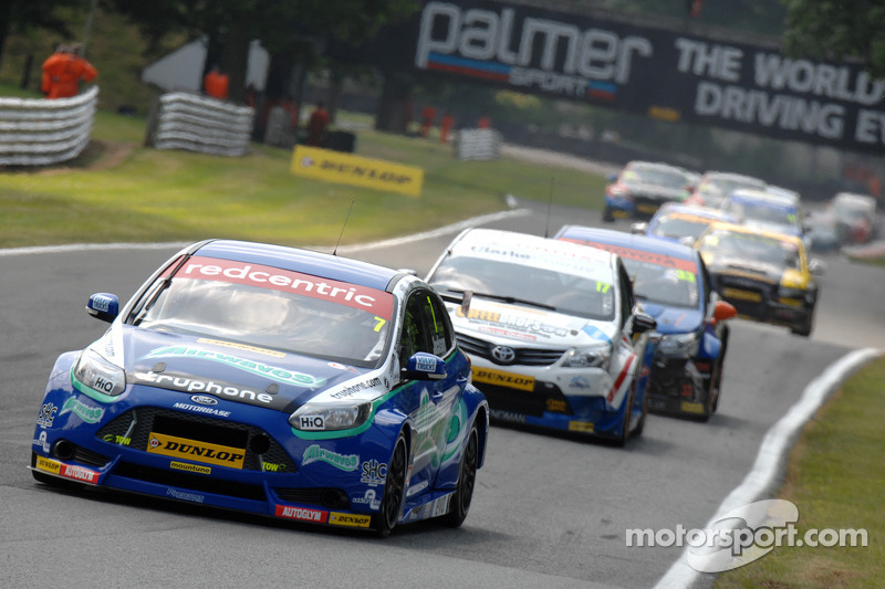 Return to winning ways for Airwaves Racing at Norfolk's Snetterton 300 circuit
