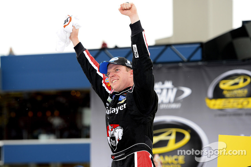 Smith returns home in hopes of regaining the lead