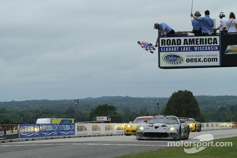 SRT Viper GTS-R wins GT class at Road America