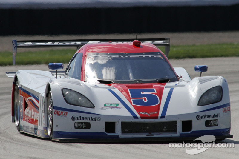 Christian Fittipaldi leads evening practice at Kansas Speedway