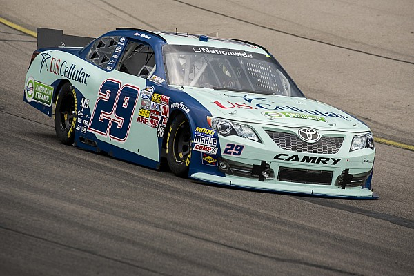 Kenny Wallace to make historic 900th NASCAR start at Chicagoland Speedway