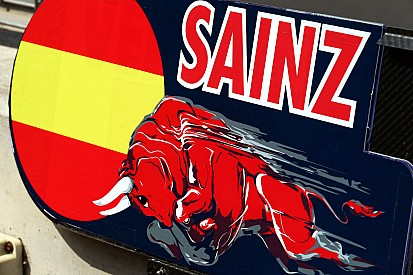Sainz jr admits no Toro Rosso talks for 2014