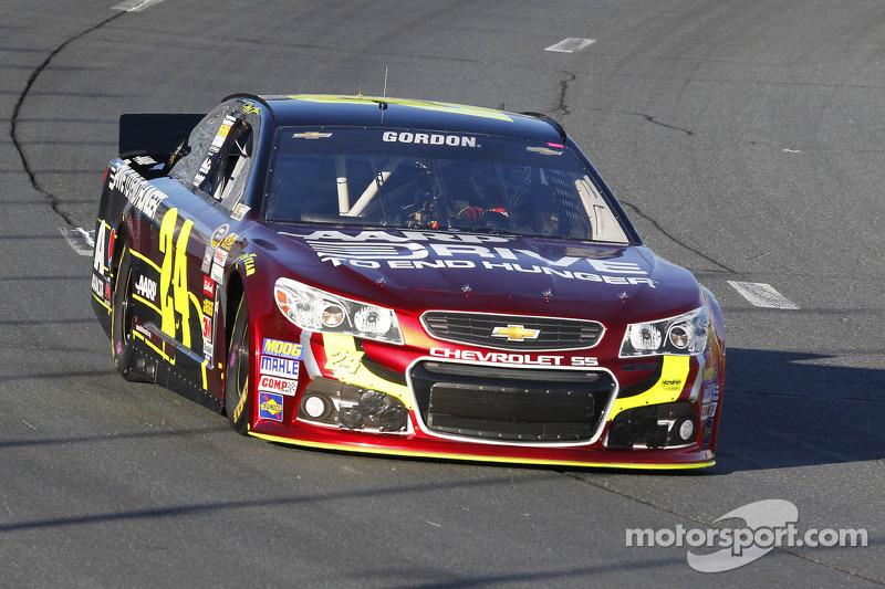 Pit stop slide hurts Gordon's race, title aspirations