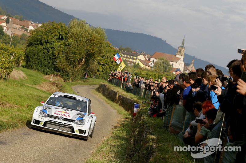 Just 0.4 seconds ahead: Latvala leads French thriller