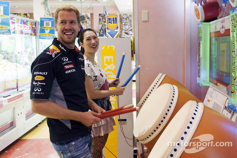 Sebastian Vettel greets thousands of fans in Japan