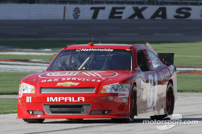 Wallace seeks another strong run at Charlotte