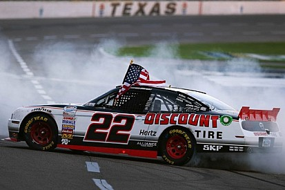 Keselowski surprises with late charge for Texas victory