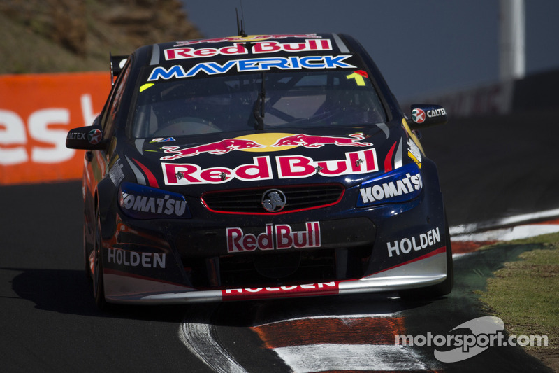 Whincup holds off contenders for win at Phillip Island