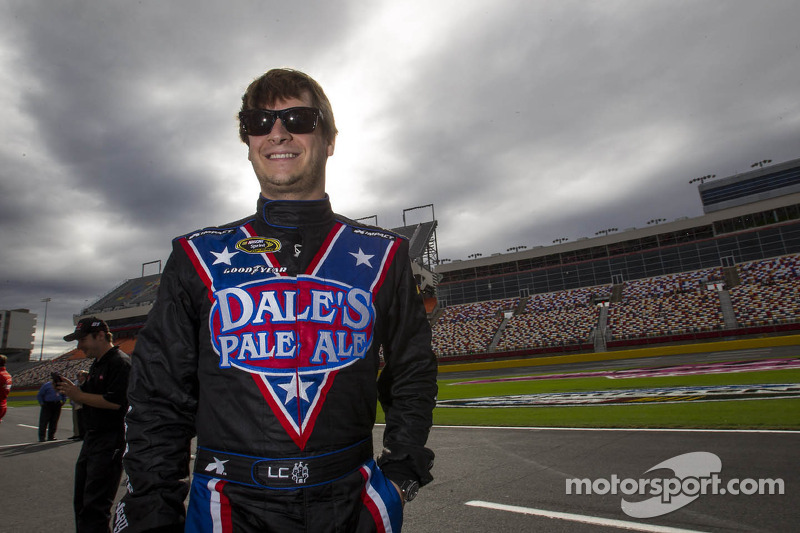 Cassill moves into top spot at JD Motorsports