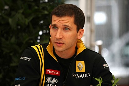 Adieu to the V8, interview with Rémi Taffin, Renault's head of track operations
