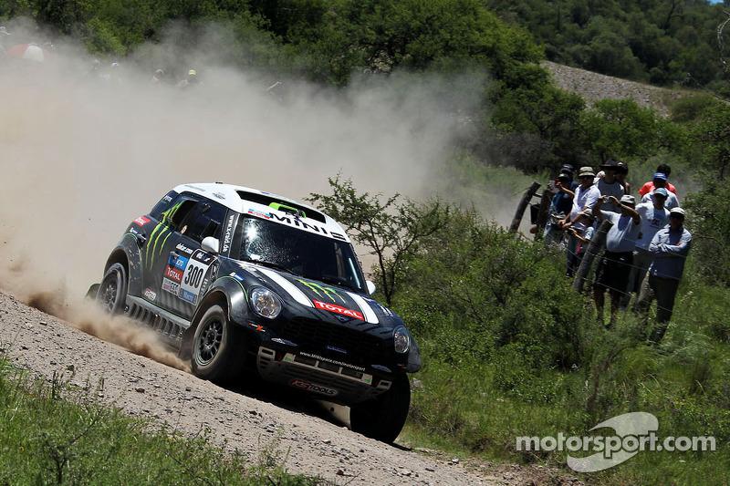 Mini sitting one-two-three after three in the Dakar